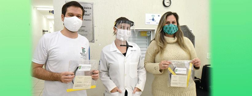 Câmpus Jundiaí doa protetores faciais para utilização por profissionais de Saúde Pública na cidade de Jundiaí